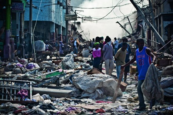 Rescunstruction operation after the earthquake in Haiti