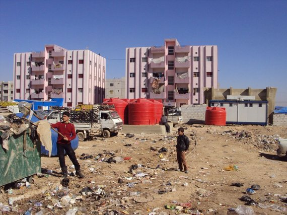 Many refugees in Syria live in unfinished buildings with no access to water.